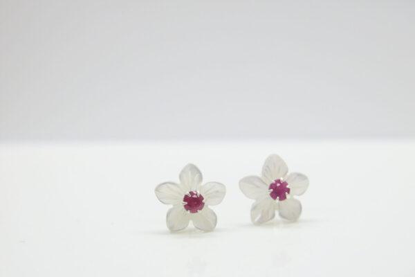 Sag ja:-) romantischer Blüten-Ohrstecker Rubin 925