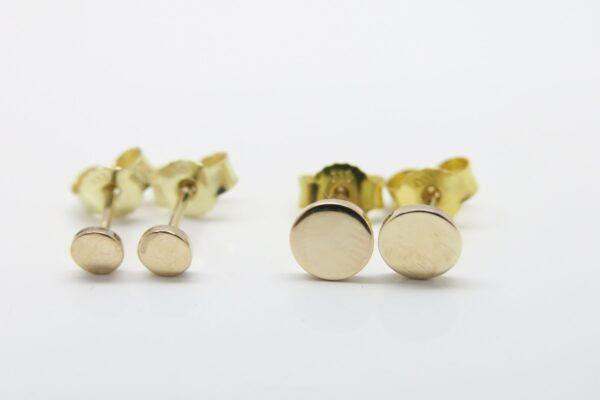 Punkt.. glänzende 6mm Ohrstecker 585er Gold
